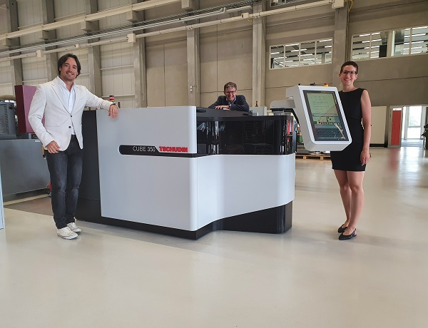La rectifieuse Tschudin Cube 350 récompensée pour son design