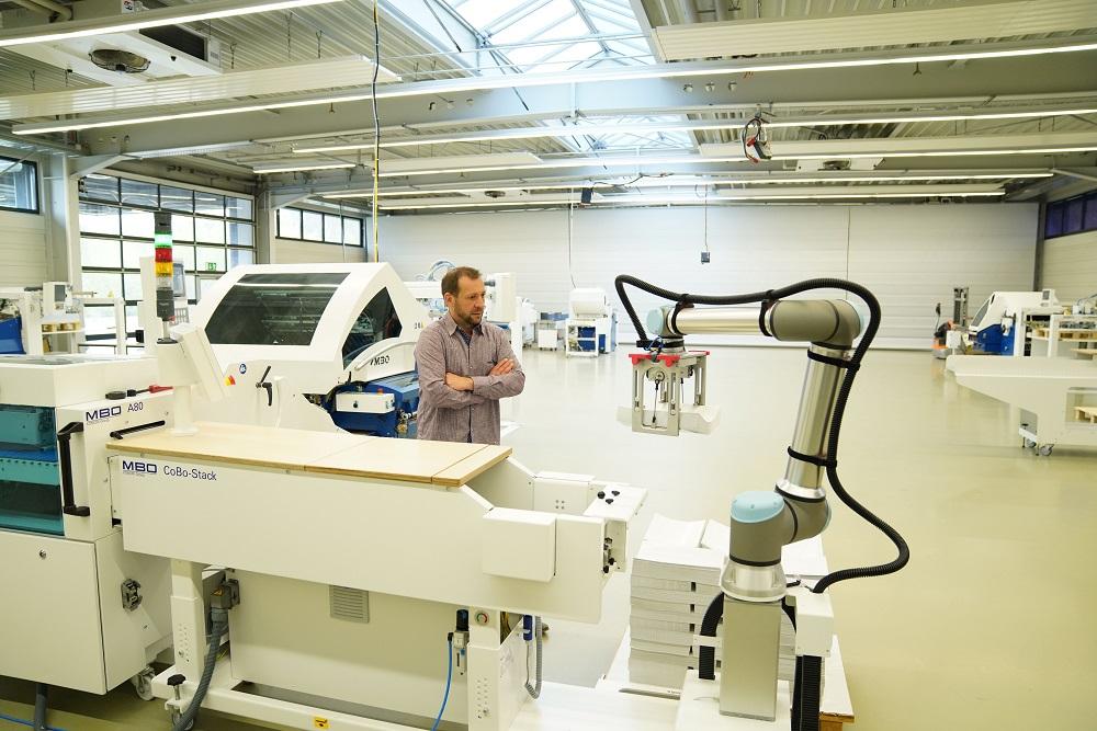 Universal Robots augmente la capacité de charge de son cobot